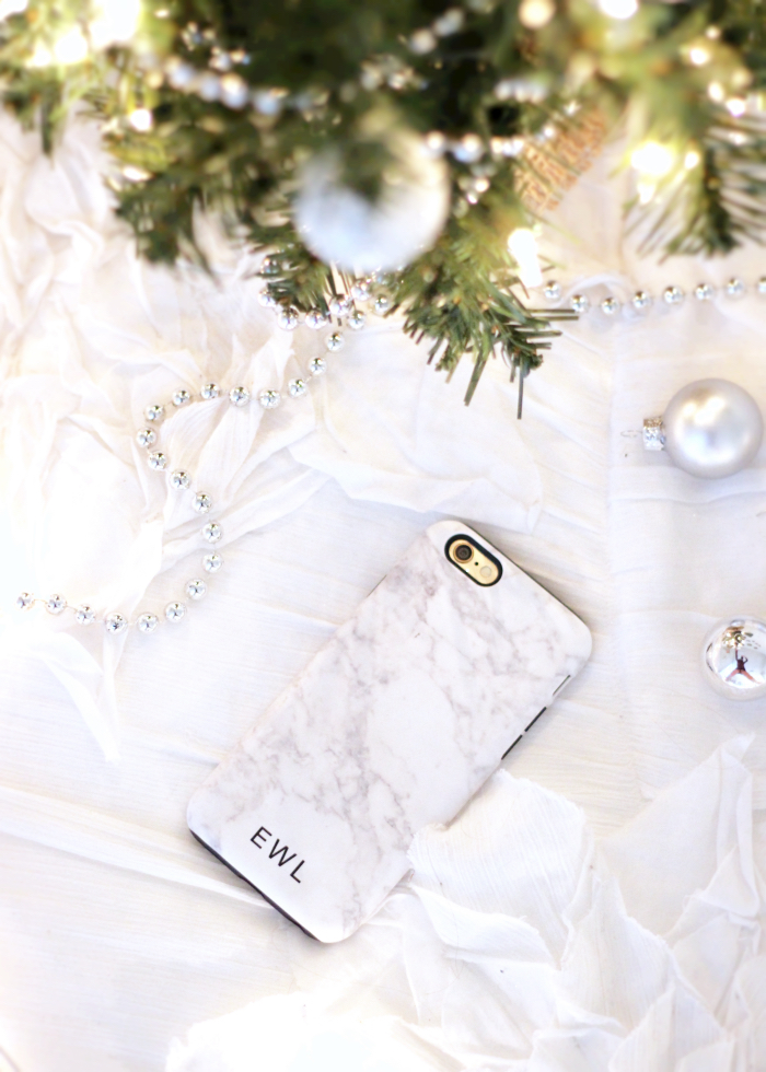 Shop the best phone cases for Christmas - www.withacitydream.com