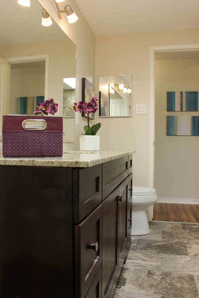 Barrie Home Staging Bathroom6.jpg