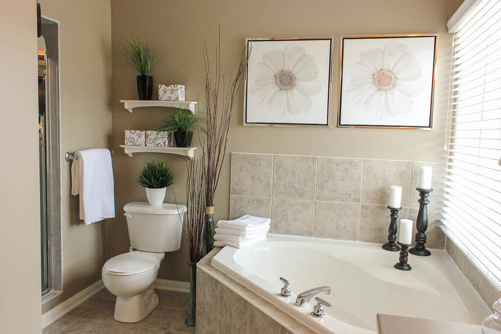 Bathroom interior decorating in barrie new leaf decor - How to decorate a bathroom counter ...