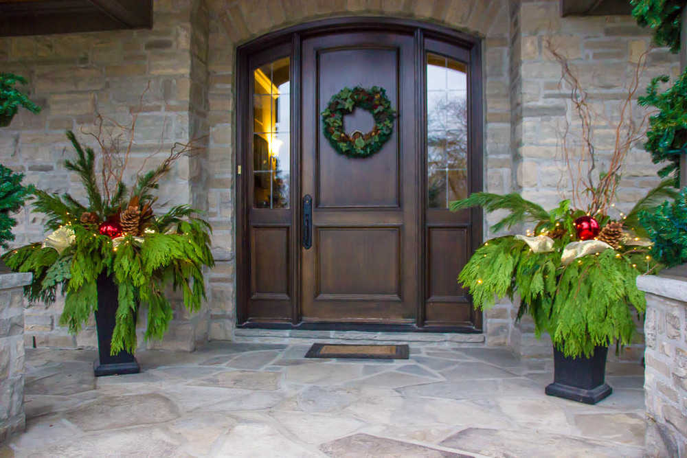 Barrie holiday decorating front door.jpg