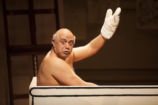 Herbert Siguenza stars as Pablo Picasso (Jennifer M. Koskinen)
