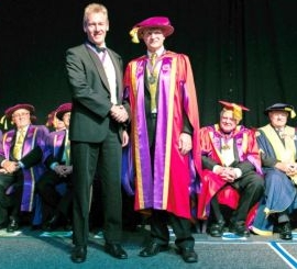 Dr Kemp being awarded a Gold medal from the Australiasian College of Phlebology 2012.
