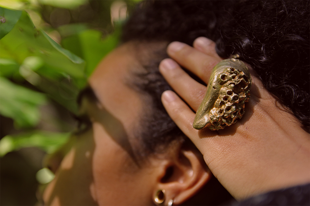 brass mussel.jpg