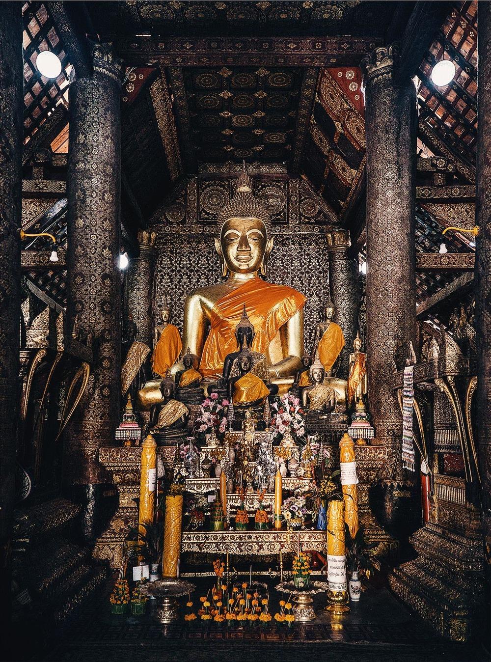 CallieGiovanna_SoutheastAsia_Laos_LuangPrabang_20121231_3821.jpg