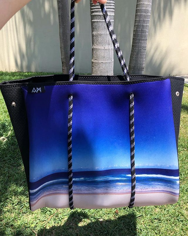 Long weekend beach vibes 💙  Order online ~ just search 'Abby Marshall' on Amazon.com.au ✌🏻 . . . #beach #tote #neoprene #travel #accessories #photography #bag #abbymarshall