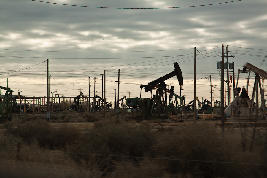 Lost Hills Oil Field, the site of the largest natural gas blowout in US History