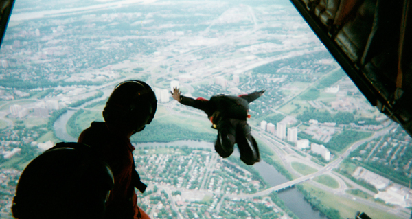 INSIGHTS-SKYDIVE-THUMB.jpg