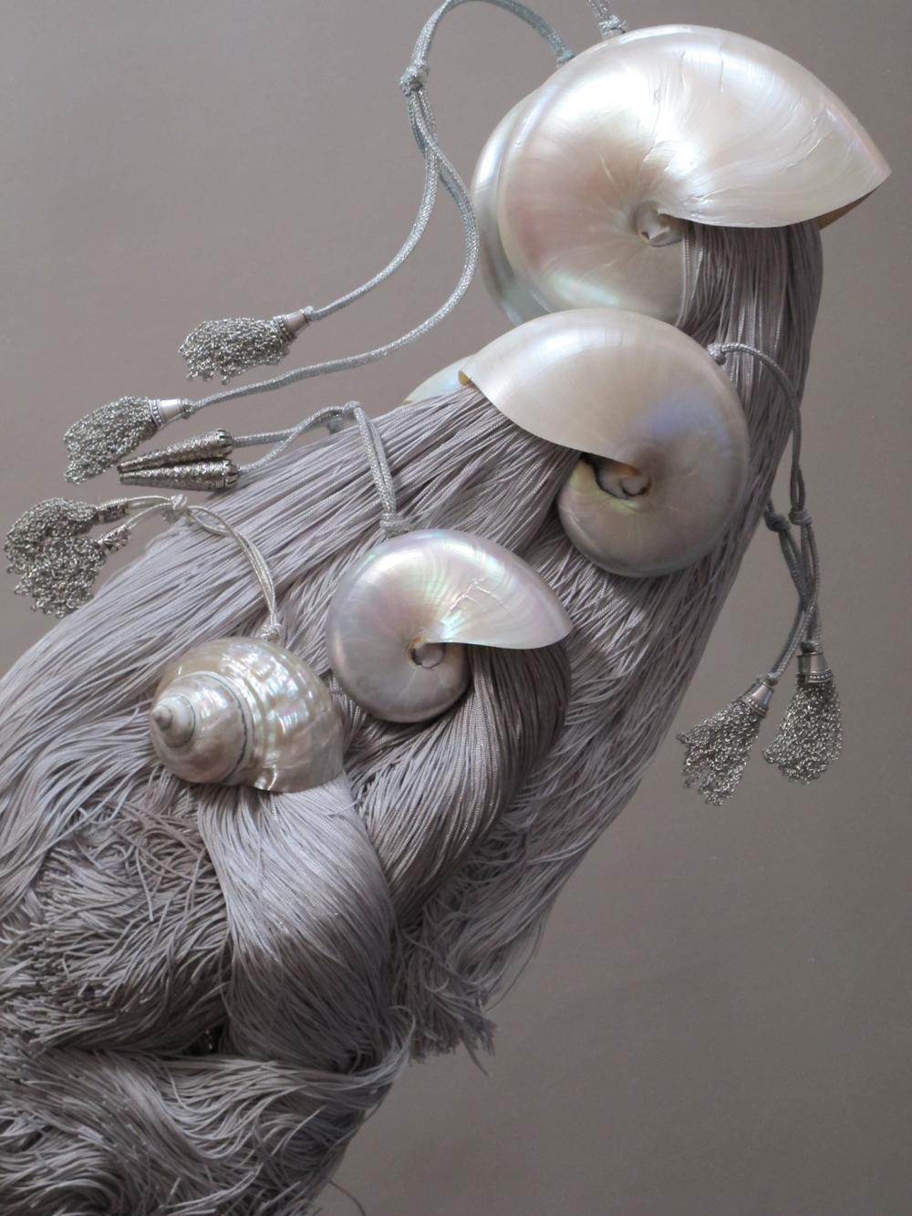 ATTIS - THEIA - MAIA - THETYS [[Polynesian mother-of-pearl nautilusand burgo shell arrangementsby///Nautiles et burgode polynésienacréspar]] Le Secret de la Muse NOUVEAUTE