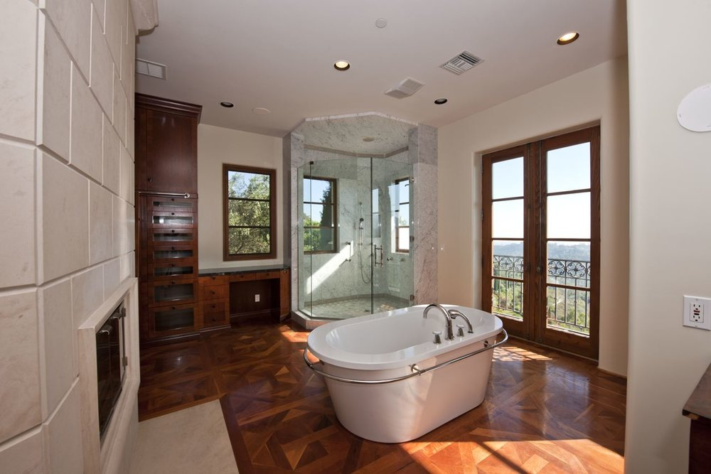 Master bath hers//Salle de bain femme de chambre principale