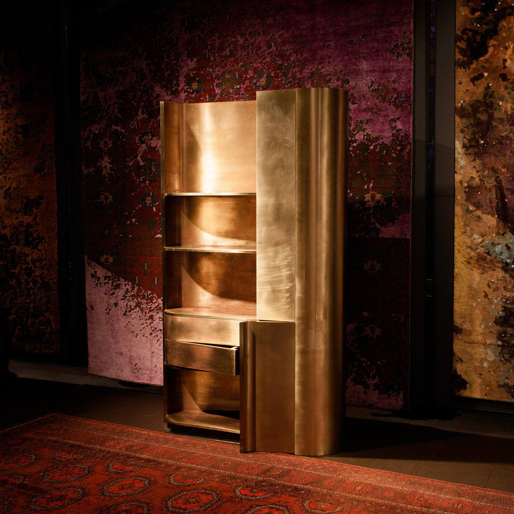 Tall Brass Cabinet with handle applied pink patina//Tall Brass Cabinet avec finition rose patiné à main