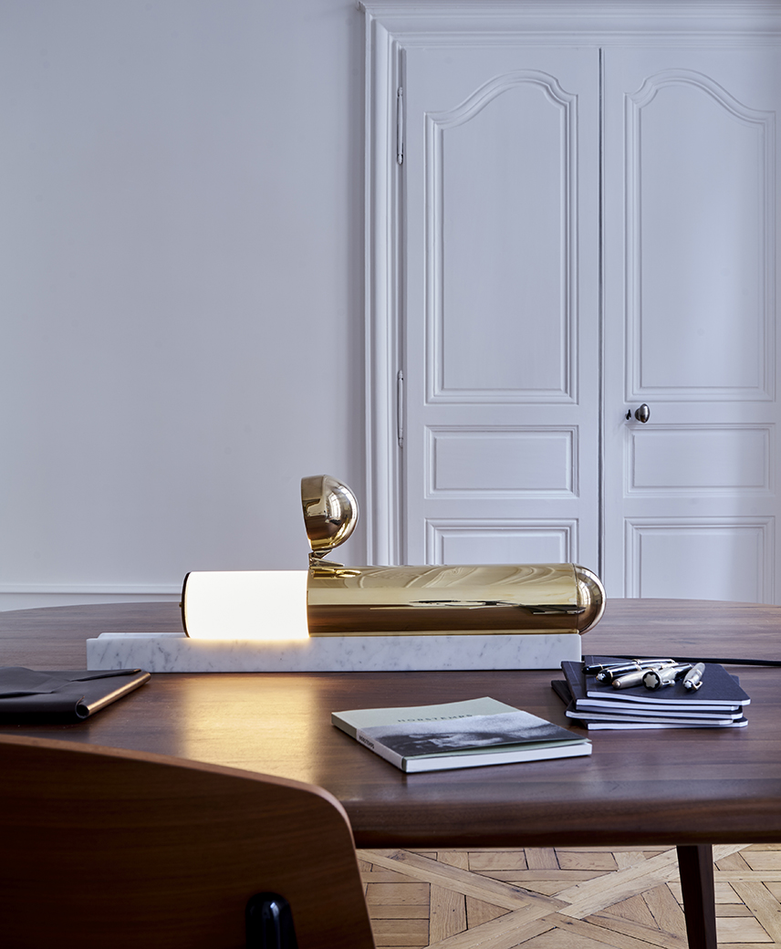 ISP table lamp with marble base//Lampe de table ISP de laiton avec socle en marbre