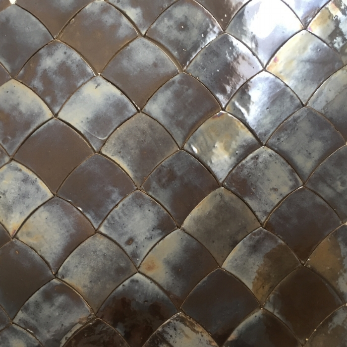 Argyle, from the Caracal tile collection by SORS.//Argyle, de la collection de carreaux artisanale Caracal de SORS.