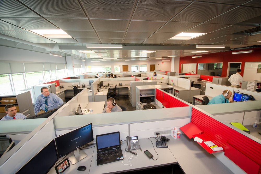 Cubicles for the IT helpdesk staff have high-speed network connectivity for desktop and mobile devices, which helps resolve problems faster.