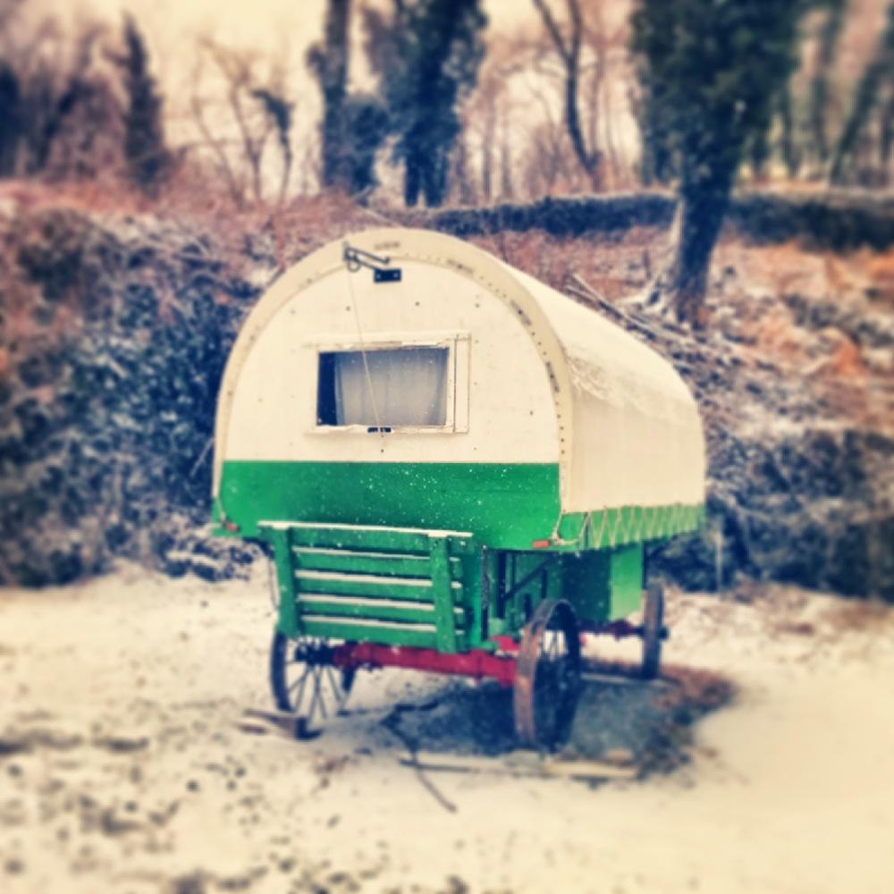 vintagegreengypsycaravan.jpg