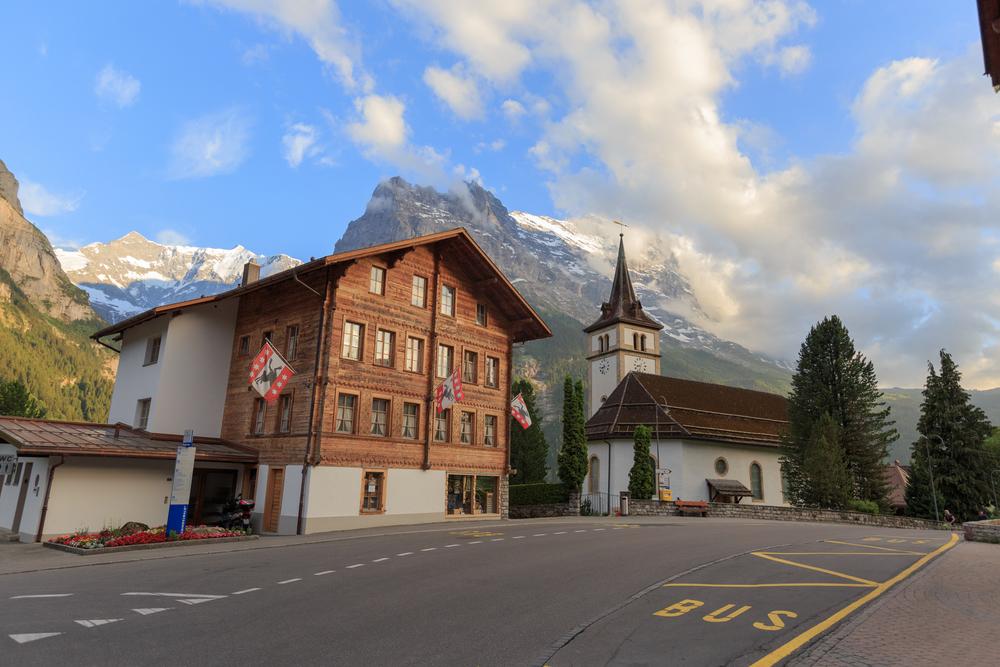 Sch-to-GrindelwaldSM-1825.jpg