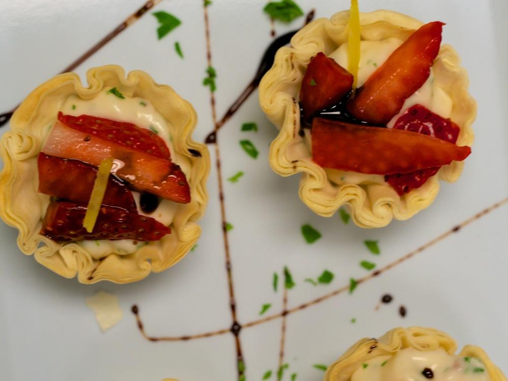 chicago_catering_caterer_strawbrie.jpg