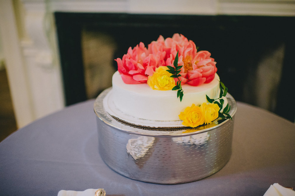 brielle-davis-events-woodend-sanctuary-wedding-cake.jpg