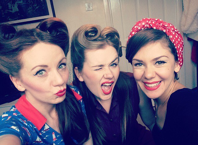 Happy 4th of July to all of our American followers! 🇺🇸 Sending lots of love across the pond ❤️ --- #theglamophones #vintage #retro #girlgroup #trio #selfie #victoryrolls #redlips #4thofjuly #forthofjuly #fourthofjuly #america #usa