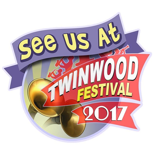 Not long to go until we're back on The Liberty Stage at what is known as the Glastonbury of the vintage world, the fabulous @twinwoodfestival 🎙🎙🎙 See us there on Sunday 27th August singing all your 1940's favourites! 🎶 . . . #theglamophones #vintage #retro #trio #vocalharmony #girlgroup #singers #twinwood #twinwoodfestival #libertystage #1940s #40s #forties