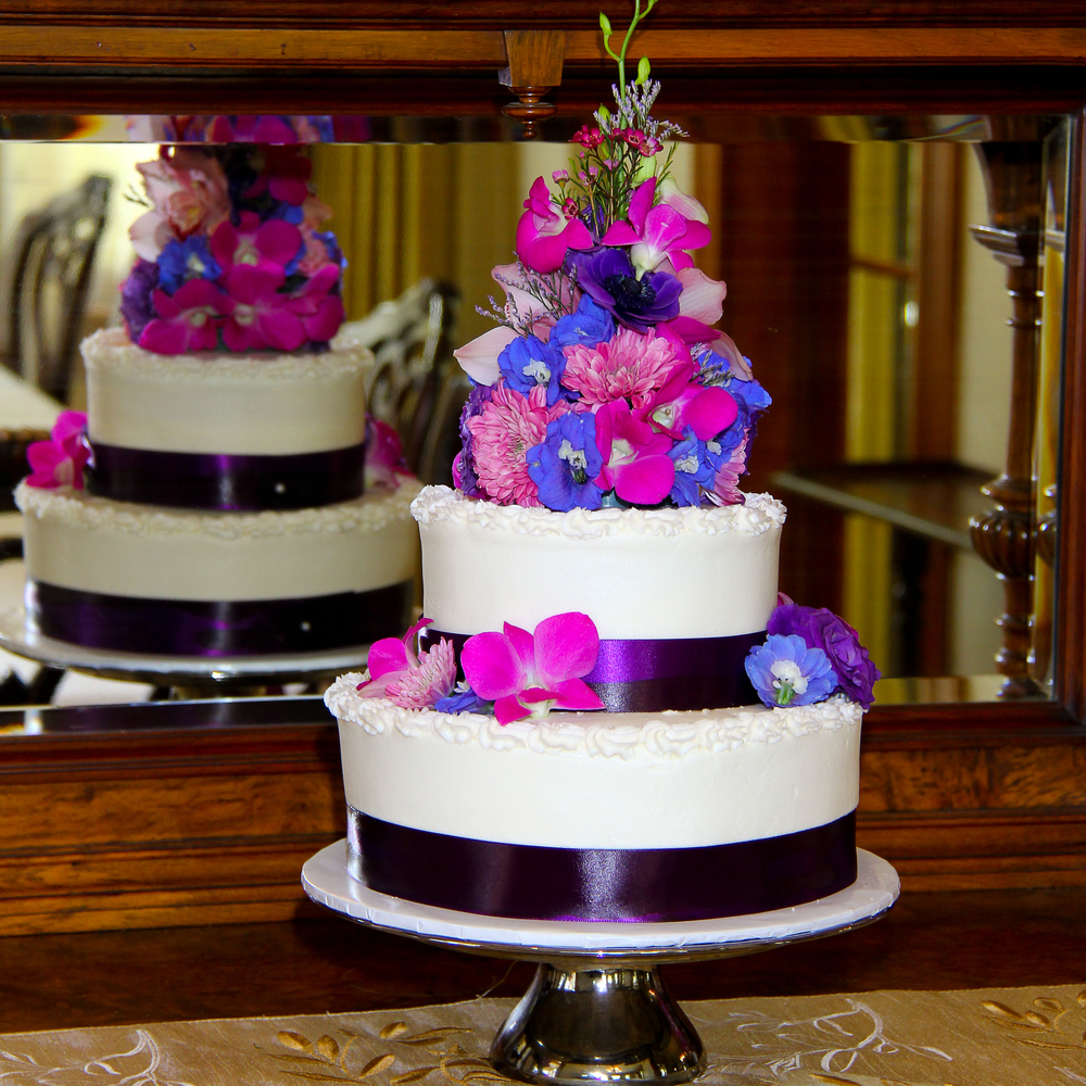 Wedding cake with orchids Savannah Wedding
