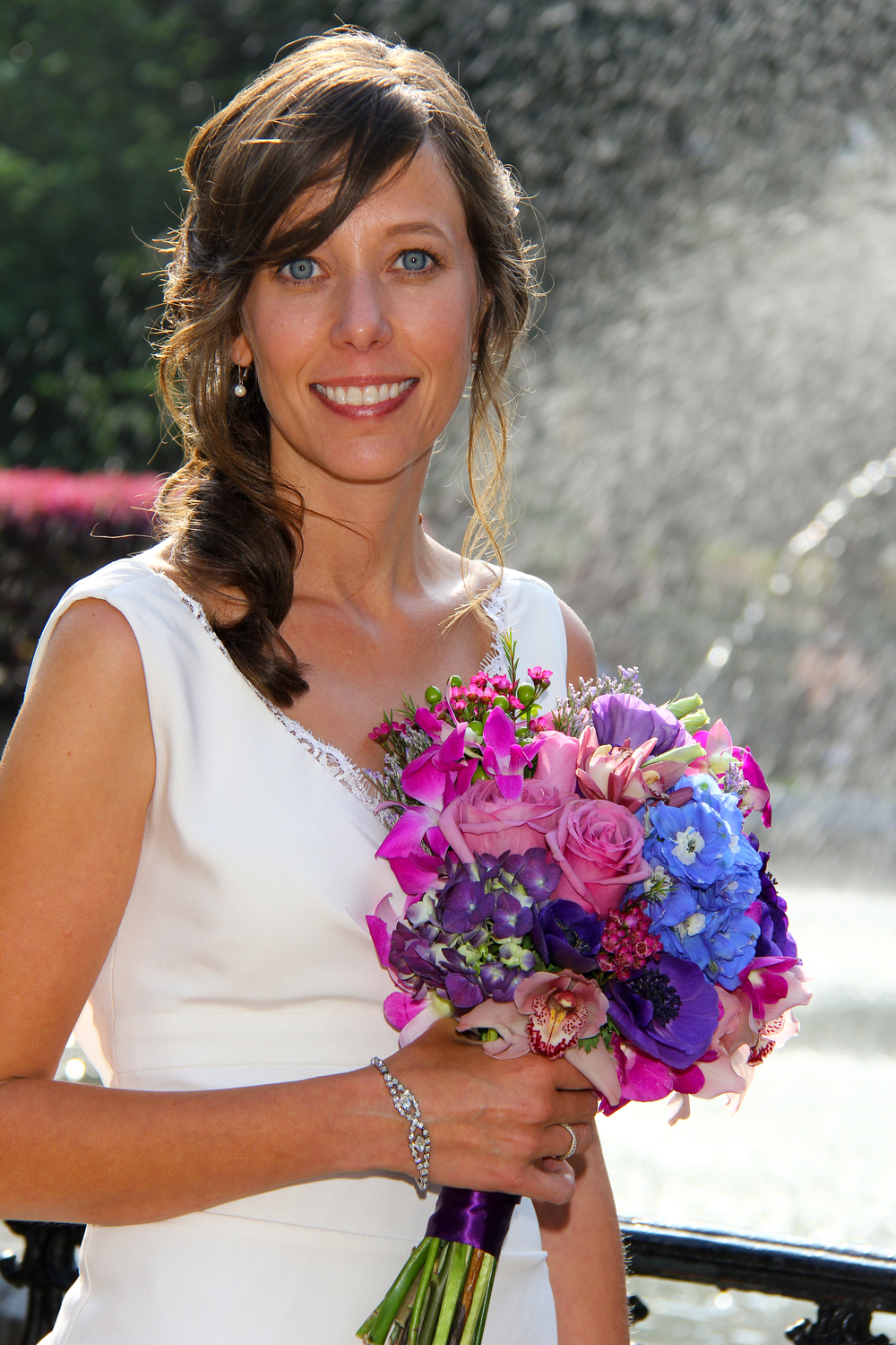 Savannah GA Wedding Forsyth Park fountain Brides bouquet