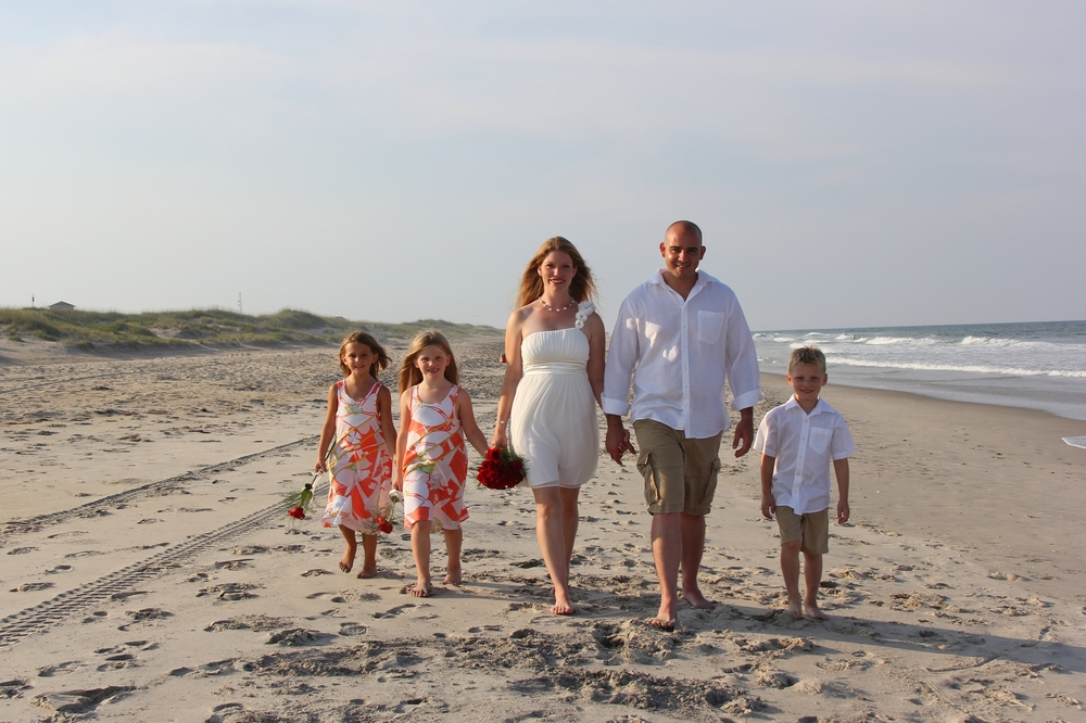 Hattaras Island wedding NC Beach Wedding fsmily wedding
