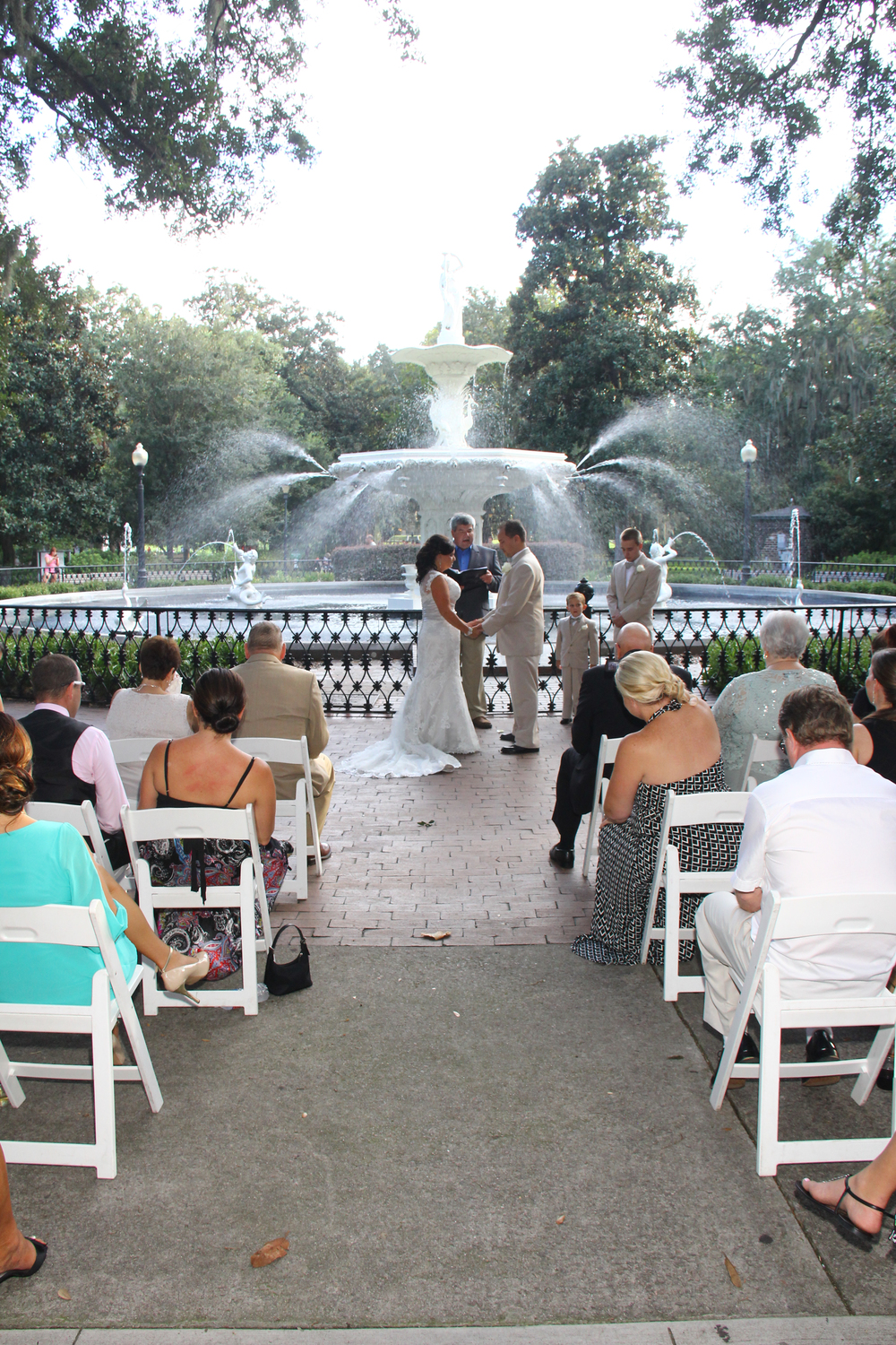 Forsyth Park fountain wedding Savannah Georgia wedding packages