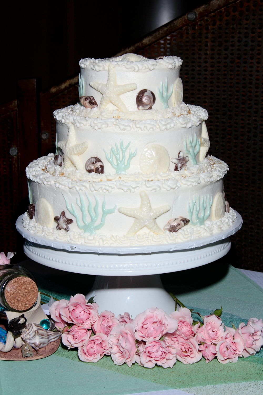 Beach wedding cake chocolate seashells