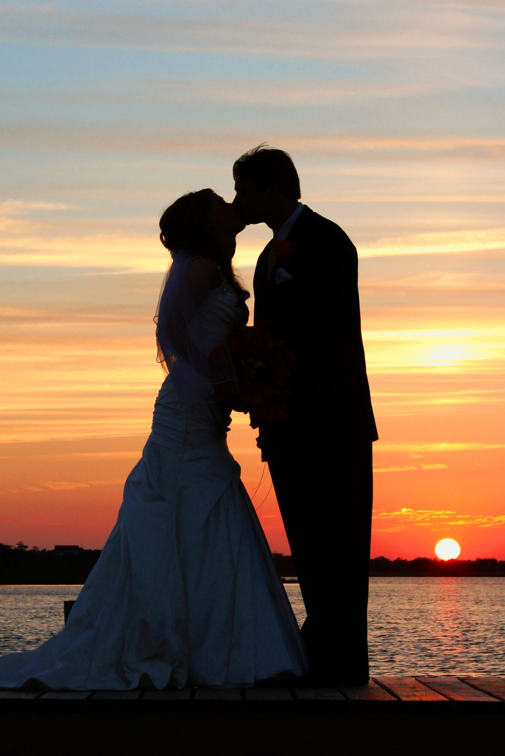 Yes Love Savannah & Hilton Head's best Wedding photography