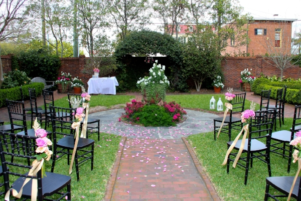 Davenport house Museum Savannah garden wedding
