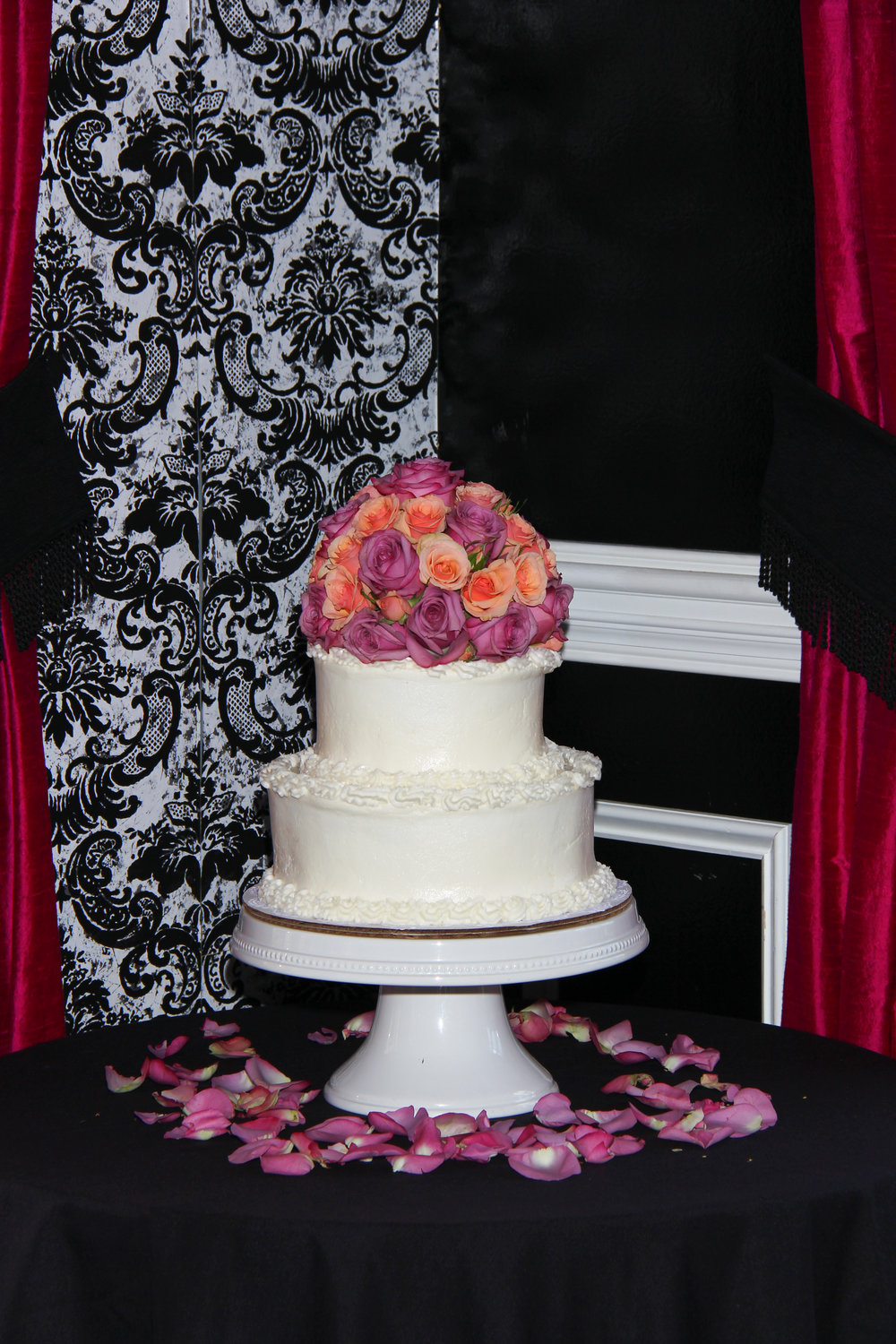 wedding cake with roses elegant Savannah Wedding