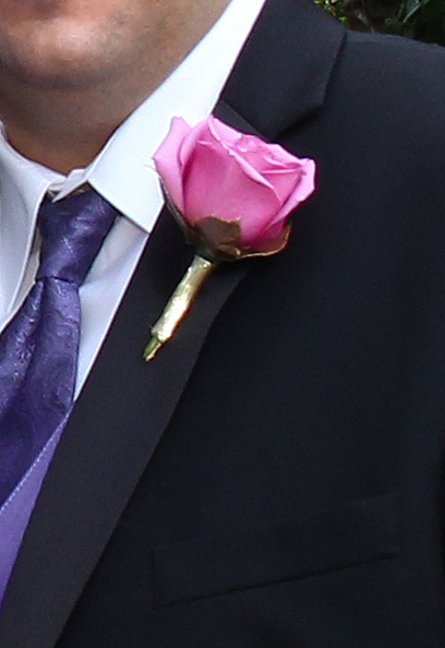 grooms flower coll water rose purple wedding