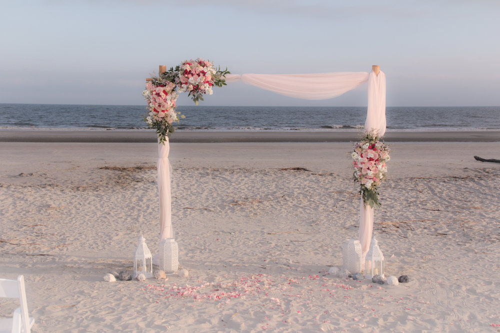 hilton head wedding, wedding packages, wedding flowers, destination wedding, flower arch, wedding arch, pink.