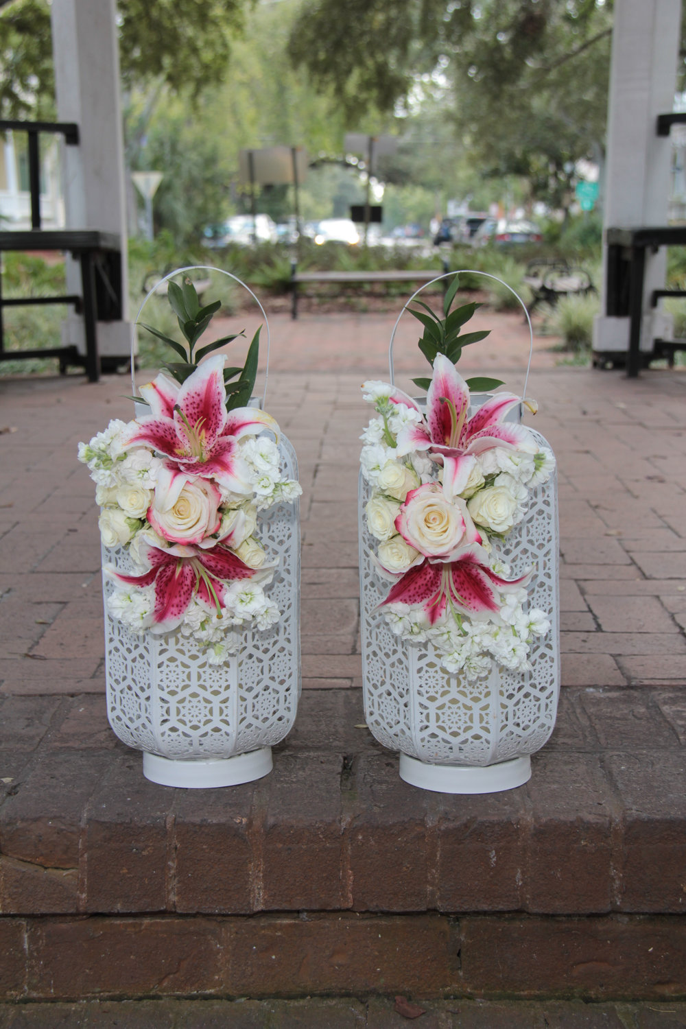 Savannah wedding, wedding packages, wedding flowers, destination wedding, lanterns, stargazer lily, wedding decor, decoration