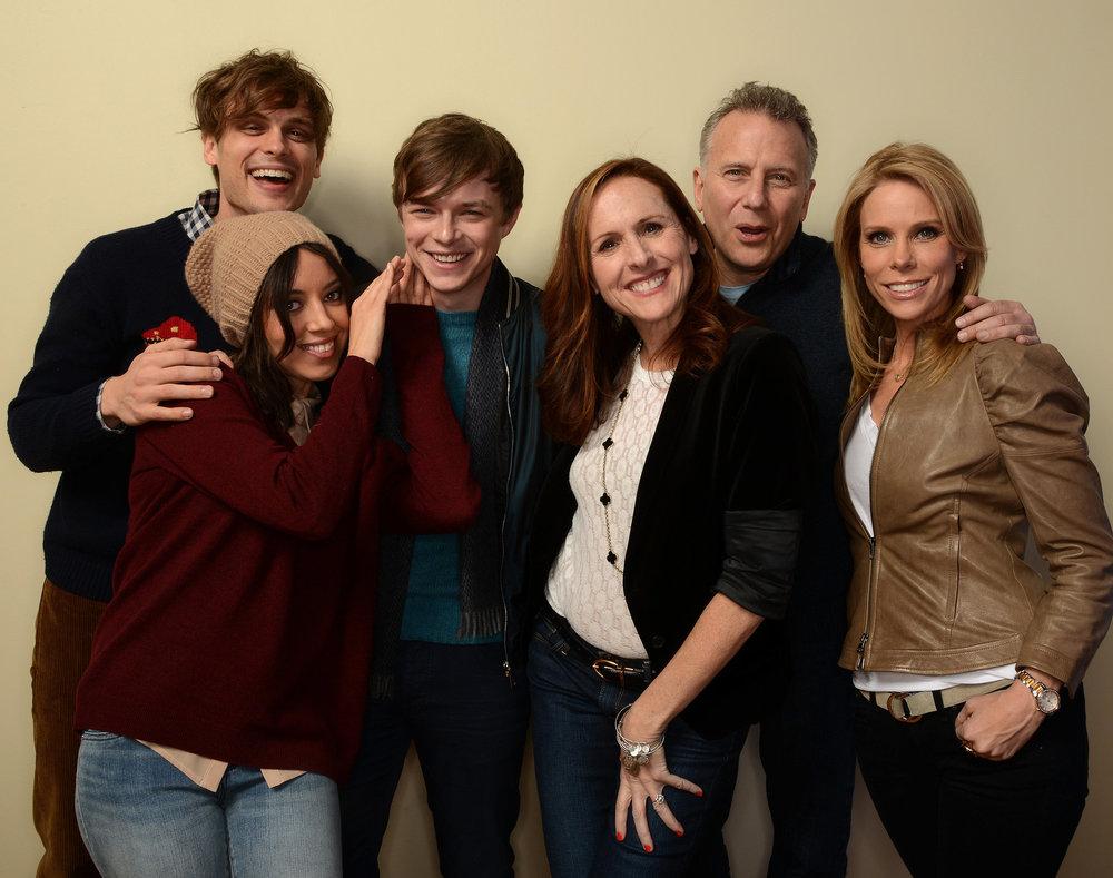 Life-After-Beth-cast-posed-together-Sunday.jpg
