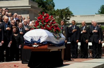 800px-Senator_Byrd_funeral_service.jpg