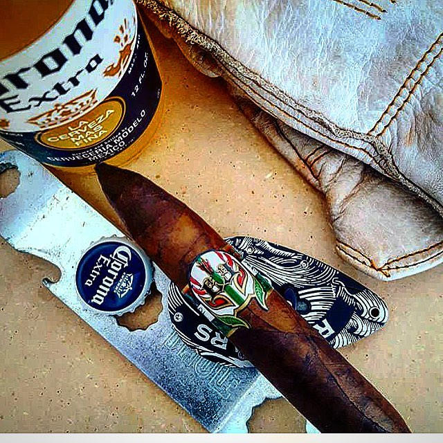 Photo by @ryandonnelly609 #lecciatobacco#luchador#cigar#cigars