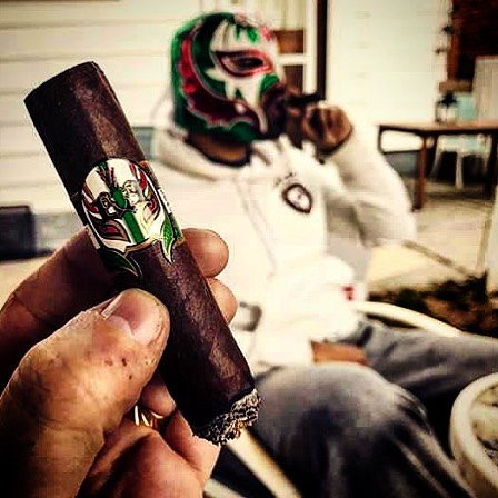 Photo by @geoffreycole #lecciatobacco#luchador#cigar#cigars