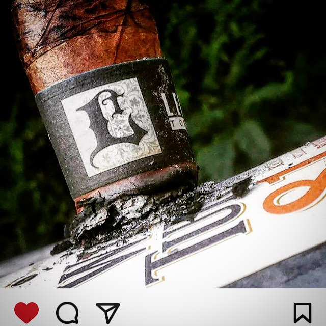 Photo by @southparkpansies #cigar#cigars#leccia#lecciatobacco#smoke