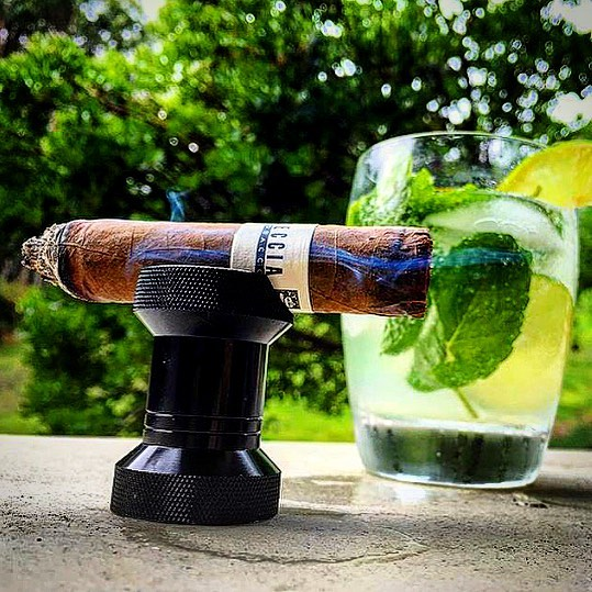 Photo by @reekz_650 #leccia#lecciatobacco#cigar#cigars#smoke