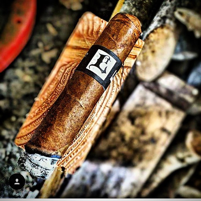 Photo by @the_nothing_  #lecciatobacco#leccia#cigar#cigars#smoke