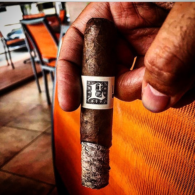Photo by @luismvb #lecciatobacco#cigar#cigars