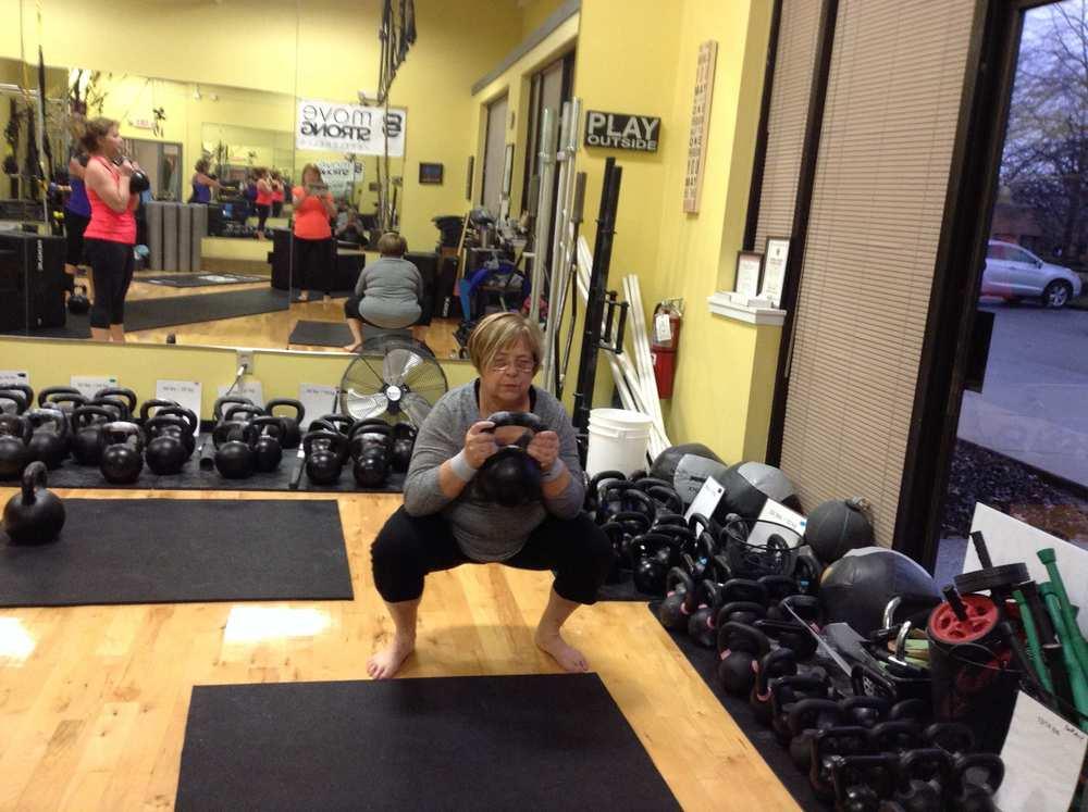 goblet squat.jpg