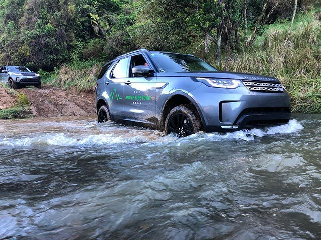 For those who like to Discover(y) . . . . . #OffRoad #LandRover #Discovery #4x4 #4x4offroad #mud #mudding #whitewaterrafting #adventure #travelblogger #adventuretime #nz #scenic