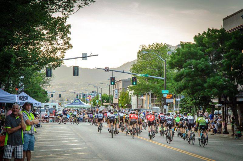 tour-de-bloom-may-7-2016-evening-crit---168_26880330021_o.jpg
