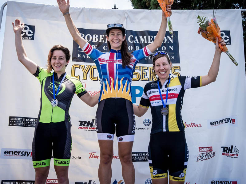 Alysia Withers finishes 3rd in the Elite Women's Criterium