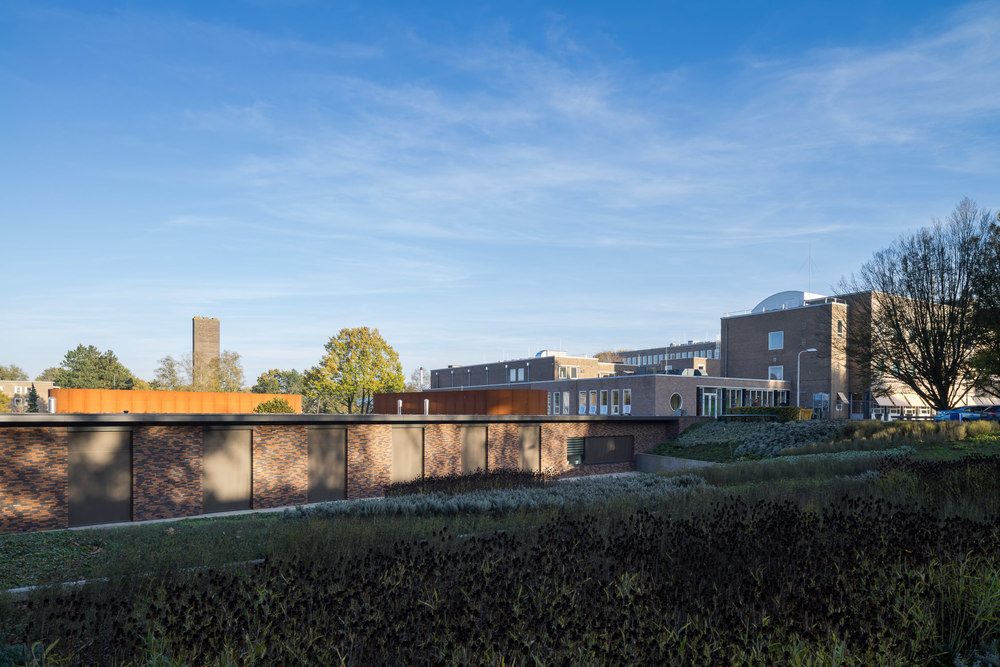 team-4-groningen-haren-beatrixoord-mark-hadden-amsterdam-architecture-photographer-architectuurfotograaf-033.jpg