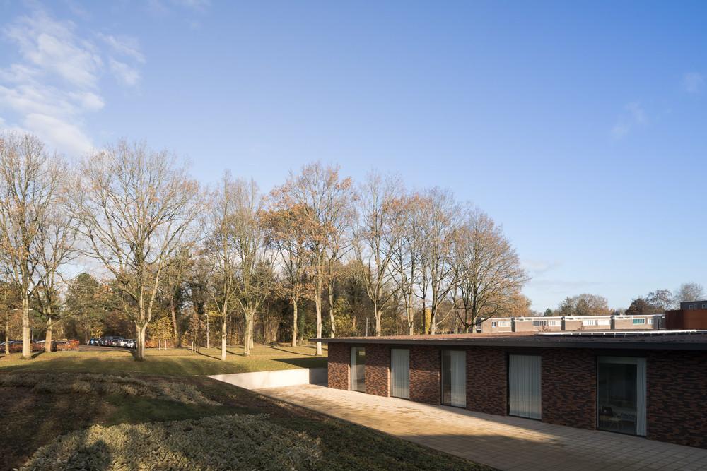 team-4-groningen-haren-beatrixoord-mark-hadden-amsterdam-architecture-photographer-architectuurfotograaf-043.jpg