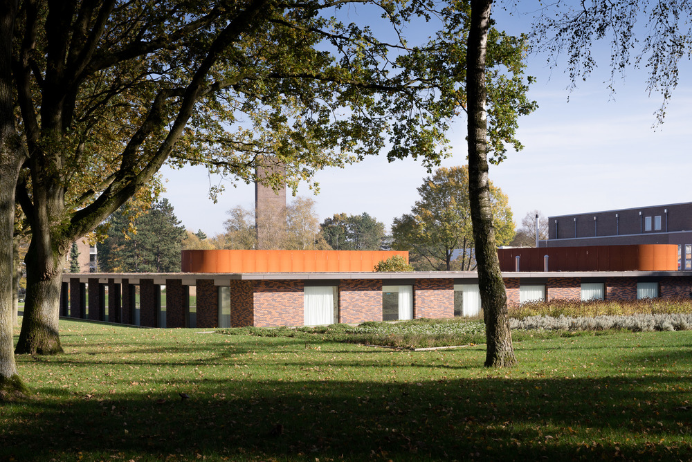 team-4-groningen-haren-beatrixoord-mark-hadden-amsterdam-architecture-photographer-architectuurfotograaf-004.jpg