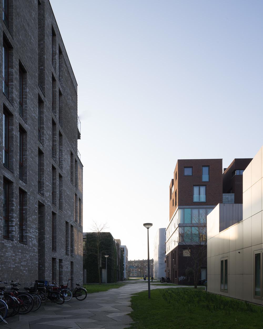 amsterdam-modern-architecture-facade-het-funen-mark-hadden-photography-architectuurfotograaf-006.jpg
